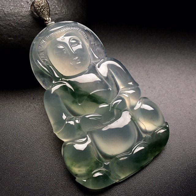 冰种飘花观音 翡翠挂件 尺寸: 59-39-7mm