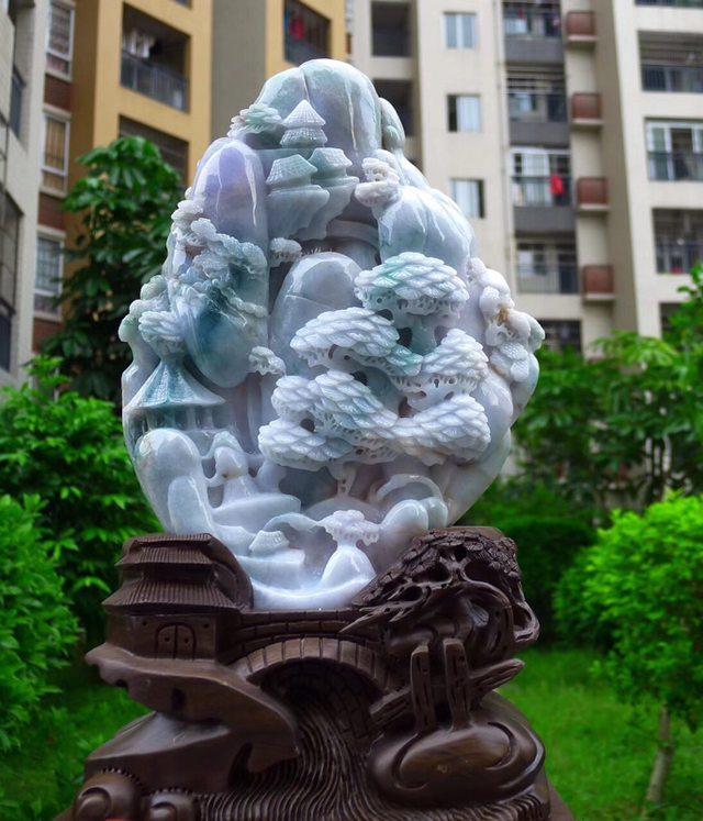 420.260.140寸天然翡翠春带彩山水摆件图2