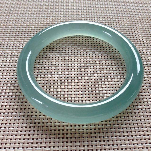 高冰蓝水翡翠手镯  天然翡翠圆条手镯 尺寸:55.3x9.7x9.7mm