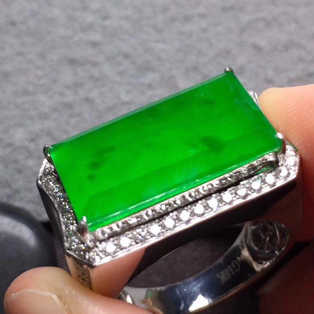 18.4*10.2*4寸高冰木那绿马鞍 缅甸天然翡翠戒指