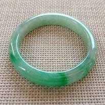 冰種飄綠翡翠手鐲  緬甸天然翡翠手鐲  尺寸:54.9寸