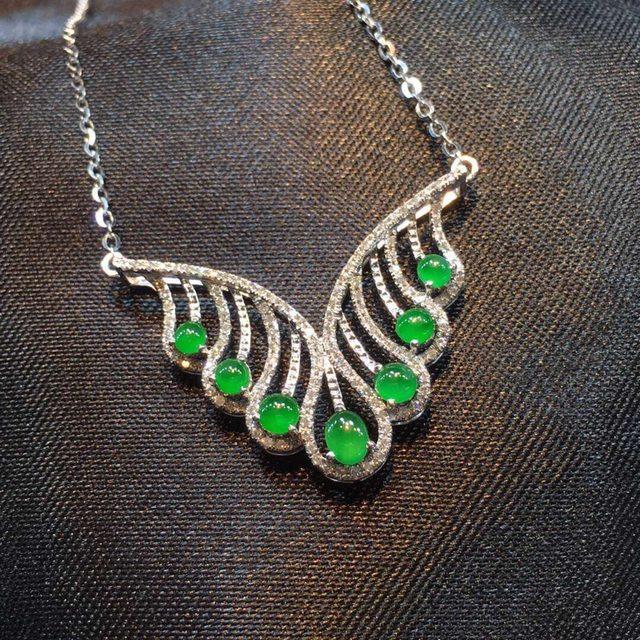 """超正冰阳绿 """"挥着翅膀的天使""""翡翠项链"""