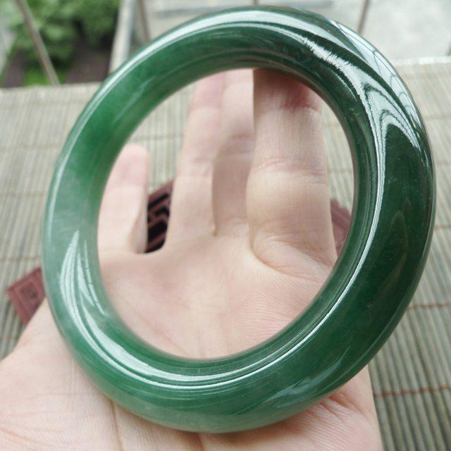 56.8圈 老坑种冰润满绿圆条翡翠手镯