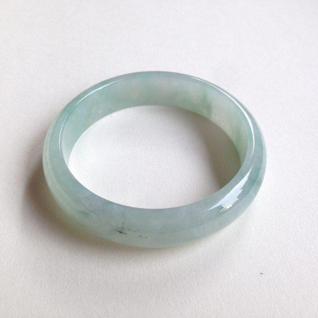 糯种飘绿花翡翠平安镯 正圈尺寸:57.6/14.1/6.8mm54.3g