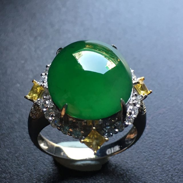 14.4*13*5.8寸绿蛋面翡翠戒指