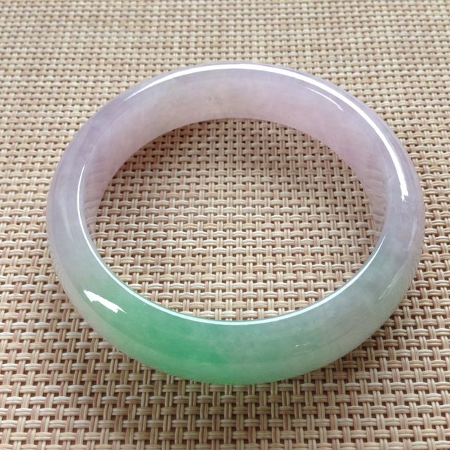 冰种春带彩翡翠手镯 缅甸天然翡翠手镯  尺寸:57.7寸