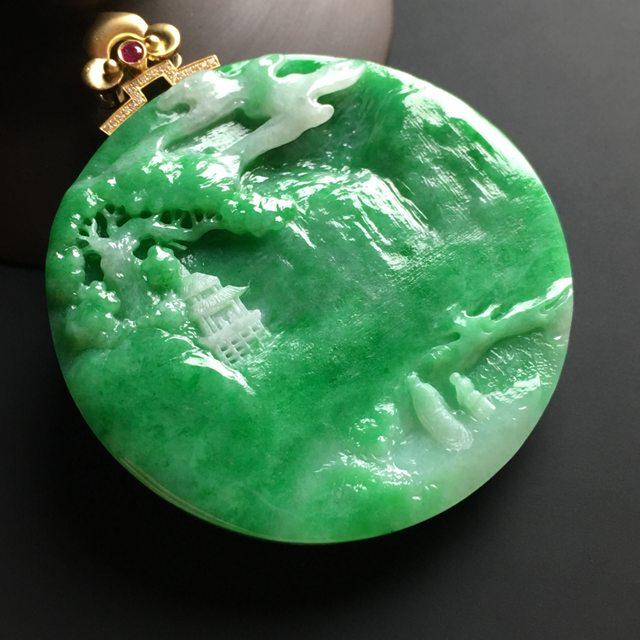 阳绿松下会友 翡翠吊坠 尺寸56-8.5毫米