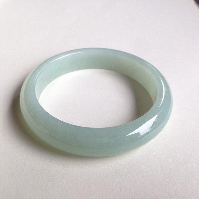 糯种果绿翡翠平安镯 正圈尺寸:62.2/13.7/8.5mm73.4g