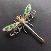 冰透满绿 小水滴镶嵌蜻蜓翡翠胸针
