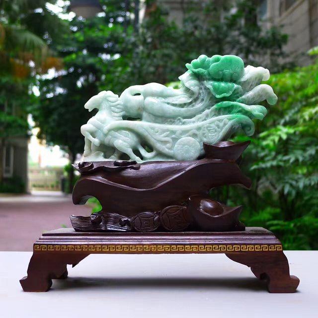 翡翠A货 老坑飘阳绿 马上长财白菜摆件