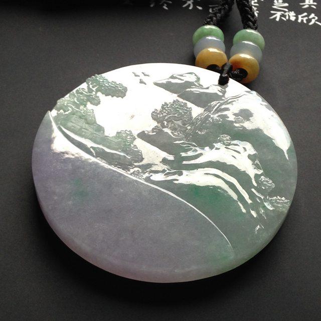细糯种椿带彩山水牌 翡翠吊坠 尺寸54-6毫米
