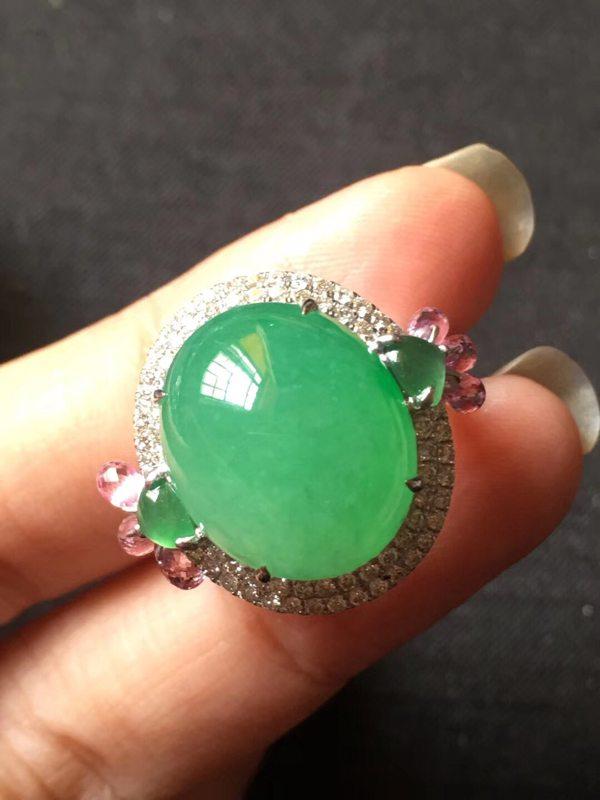 冰种水润淡阳绿 缅甸天然翡翠戒指