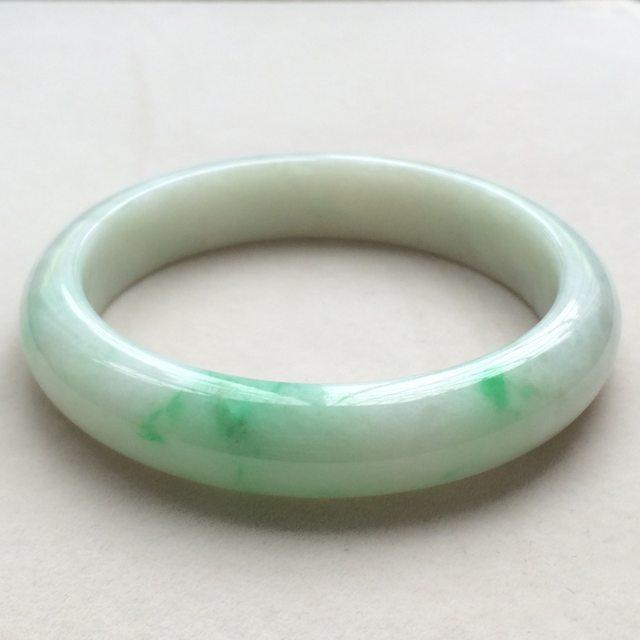 糯种飘绿翡翠手镯 缅甸天然翡翠手镯  尺寸:64.2寸