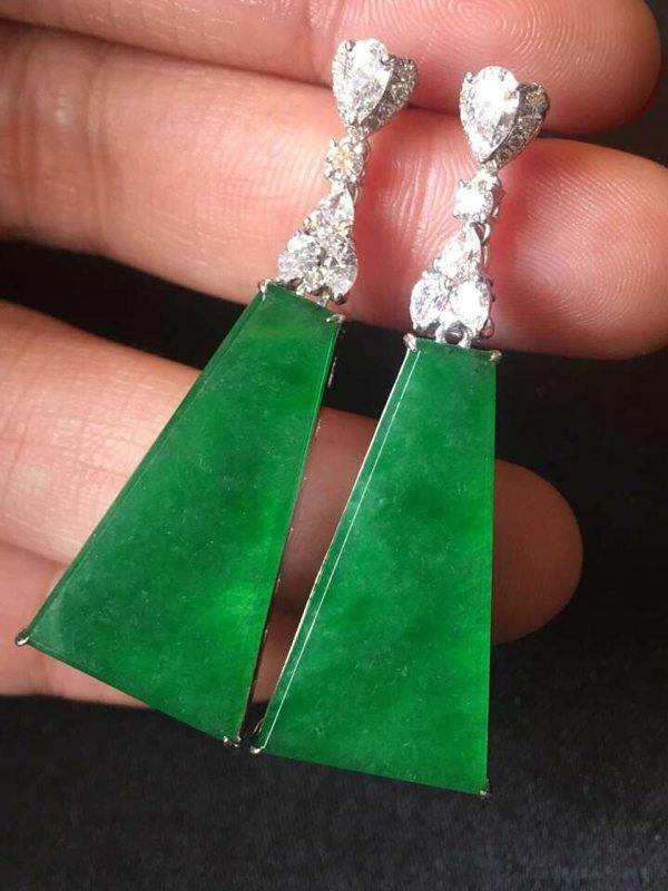 冰种起光艳阳绿翡翠耳坠