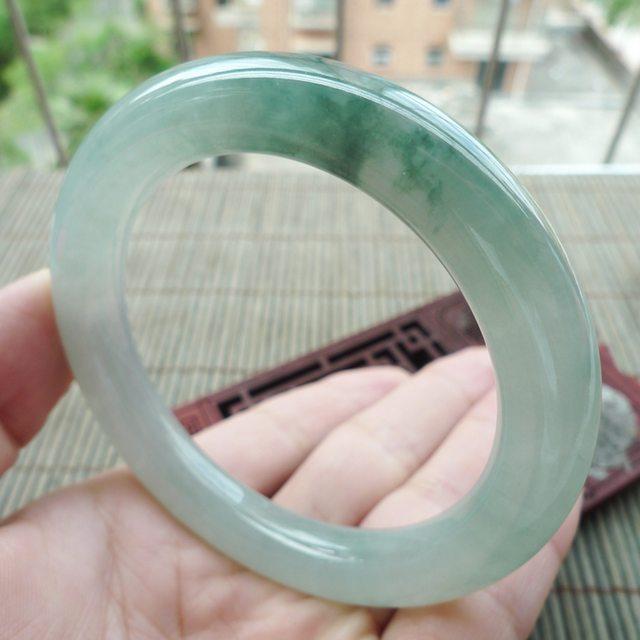 糯冰飘花圆条翡翠手镯:56.2mm