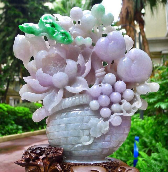 翡翠A貨 老坑淺紫羅蘭飄綠 壽比南山花籃擺件