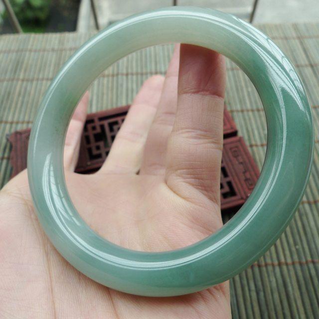 糯种飘绿A货翡翠手镯 圆条手镯58.3mm