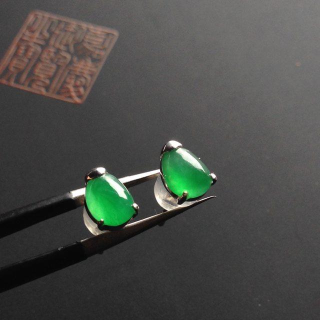 冰种阳绿 翡翠耳钉 6-5-3.5毫米