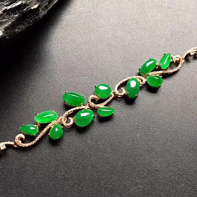 冰种满绿精美翡翠手链