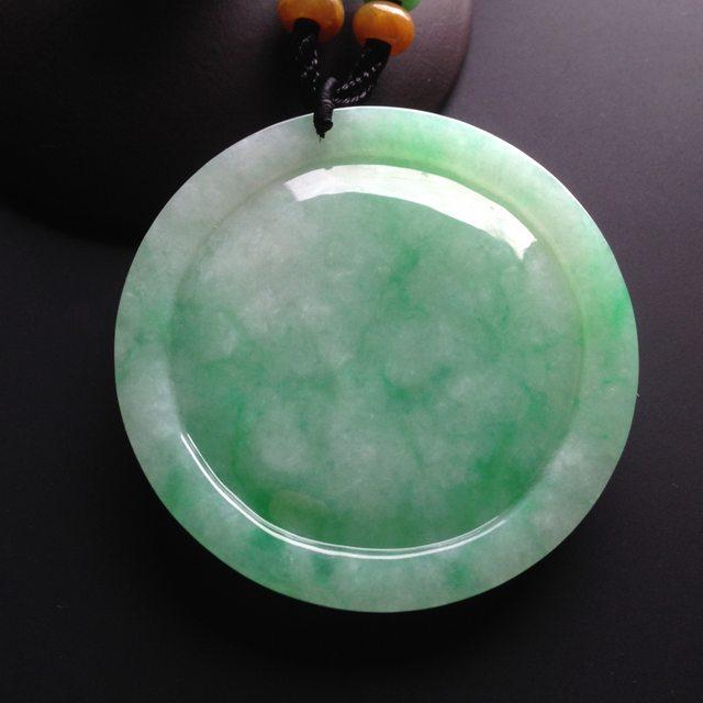 糯冰种绿底 翡翠挂件 尺寸52-52-6mm图1