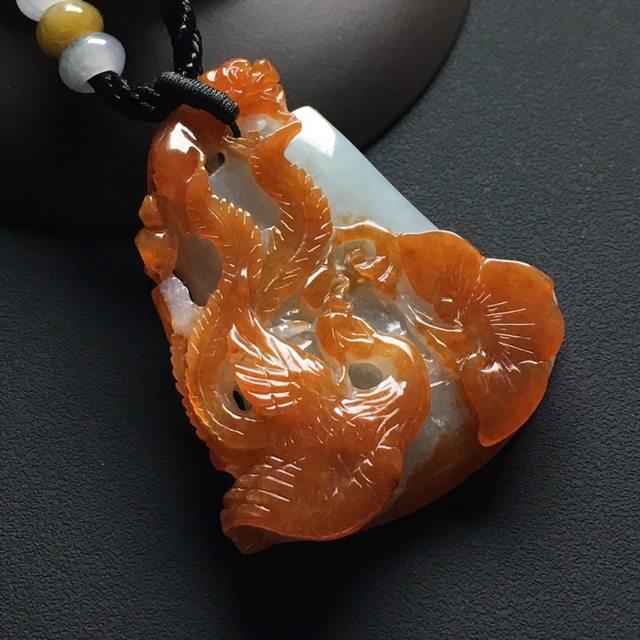 巧雕红翡龙凤呈祥吊坠 尺寸:48-42-10毫米