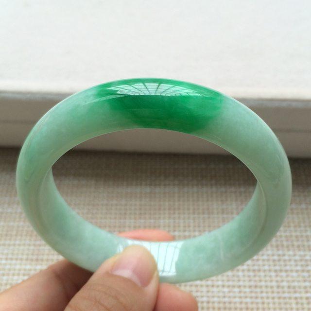 糯种阳绿翡翠手镯 翡翠天然手镯 尺寸:57*14.1*7.6mm图3