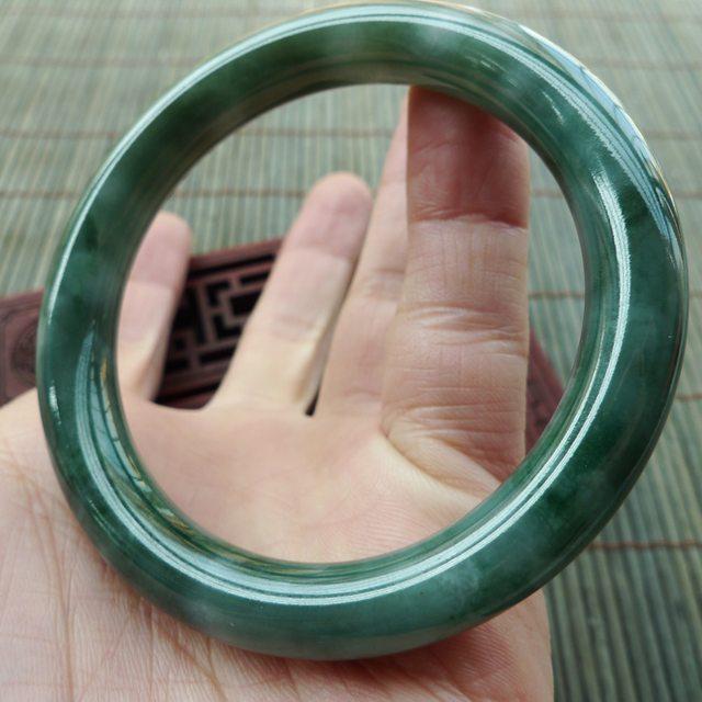 A货翡翠手镯  油青种飘绿圆条手镯53mm