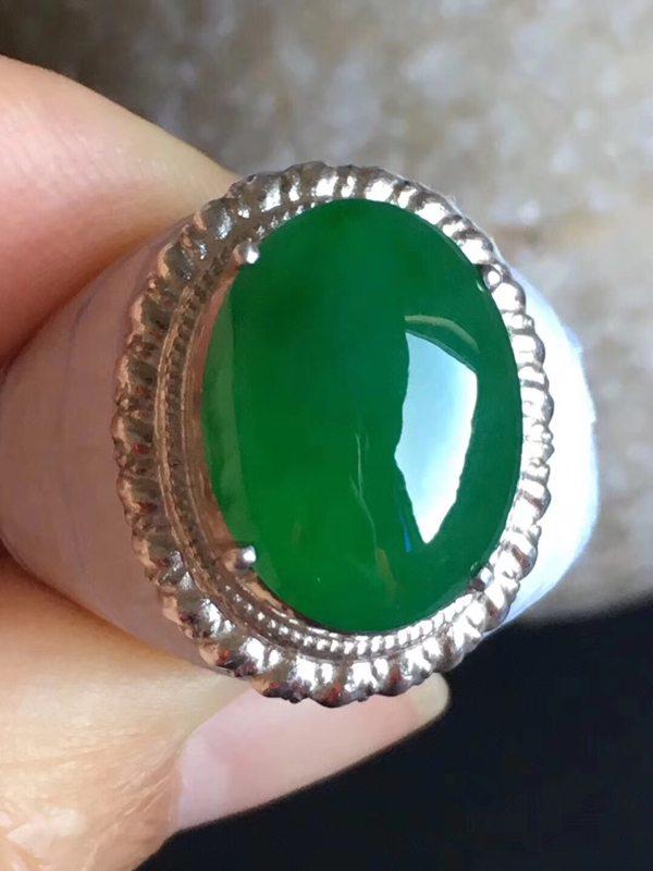 16.2-12.5-5.2寸老坑冰种辣阳绿色 缅甸天然翡翠戒指
