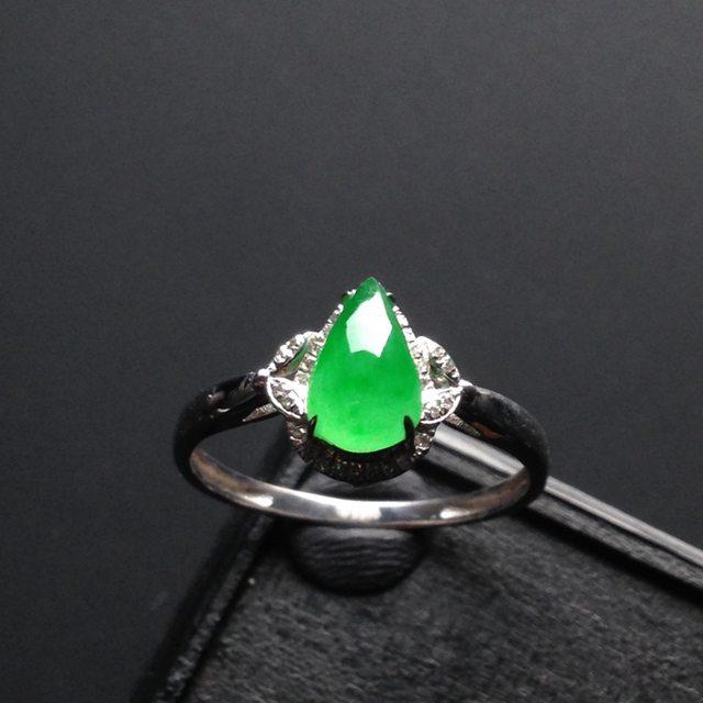 冰种绿底水滴 7-4-3寸翡翠戒指