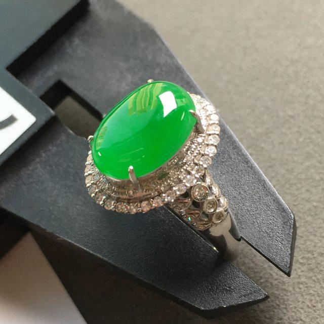 冰阳绿 缅甸天然翡翠戒指 18K金镶嵌钻石