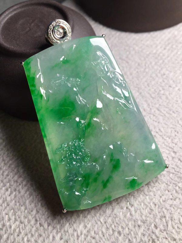 冰飘阳绿观音 翡翠挂件 裸石尺寸52*35.5*5