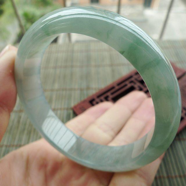 A货翡翠手镯 水润飘绿正装手镯,圈口57.8mm