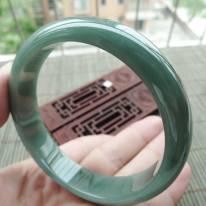 大圈口62.3mm A货翡翠满色正装手镯