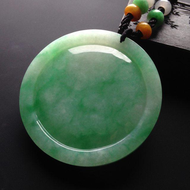 糯冰种绿底 翡翠挂件 尺寸52-52-6mm图5