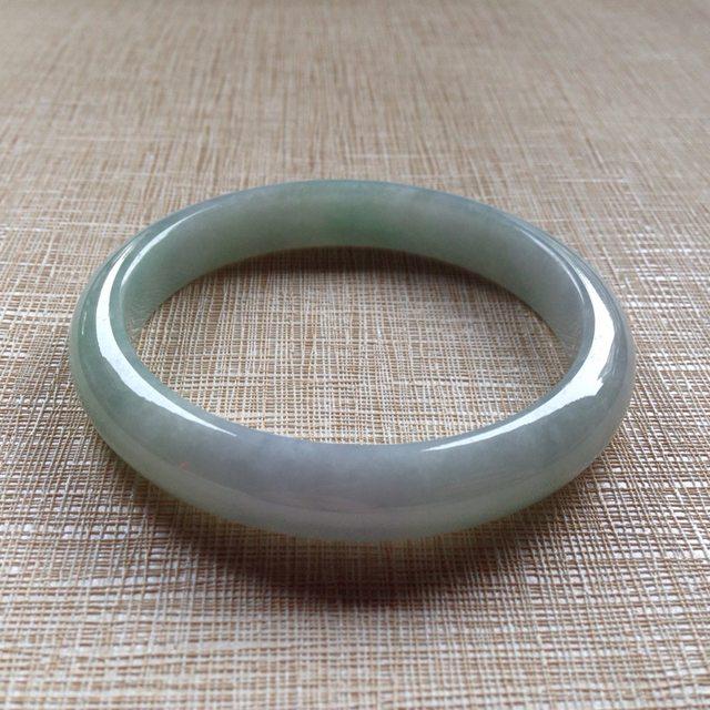 细糯浅春彩翡翠平安镯 55.4-10.4-7mm