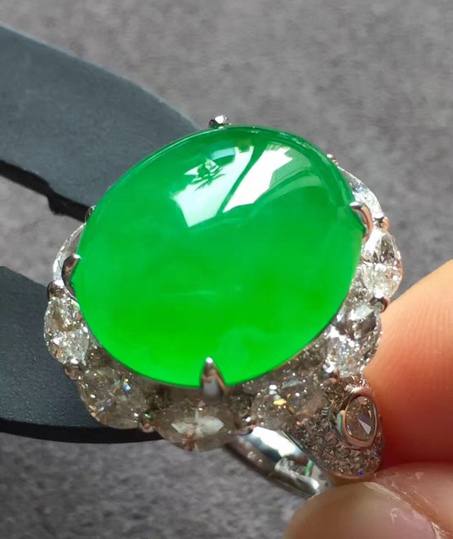 16.2*14.6*8寸高冰正阳绿 缅甸天然翡翠戒指