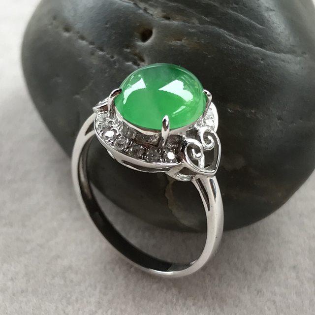 冰种阳绿蛋面f翡翠戒指