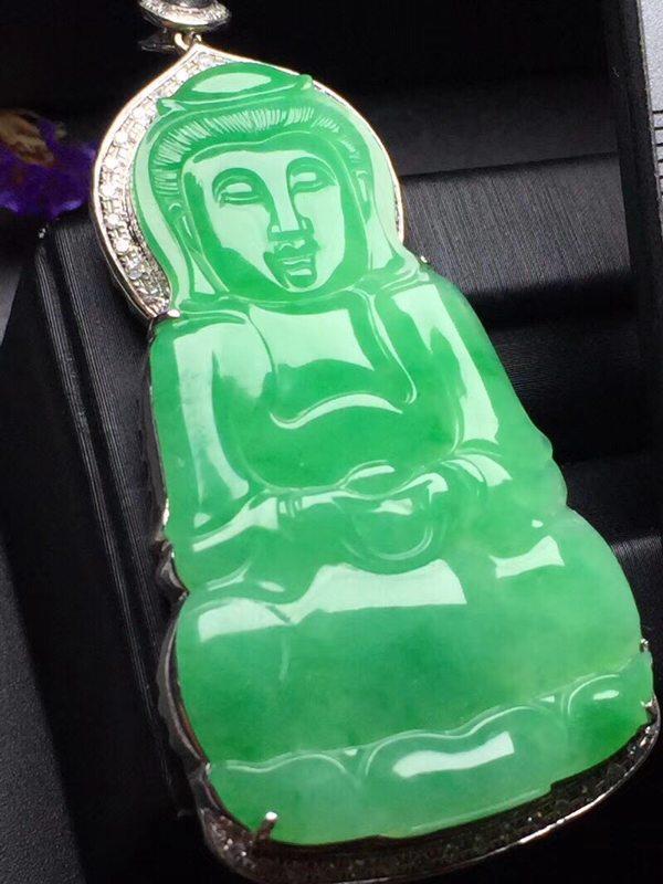 阳绿冰糯种观音 翡翠挂件 真金真钻镶嵌
