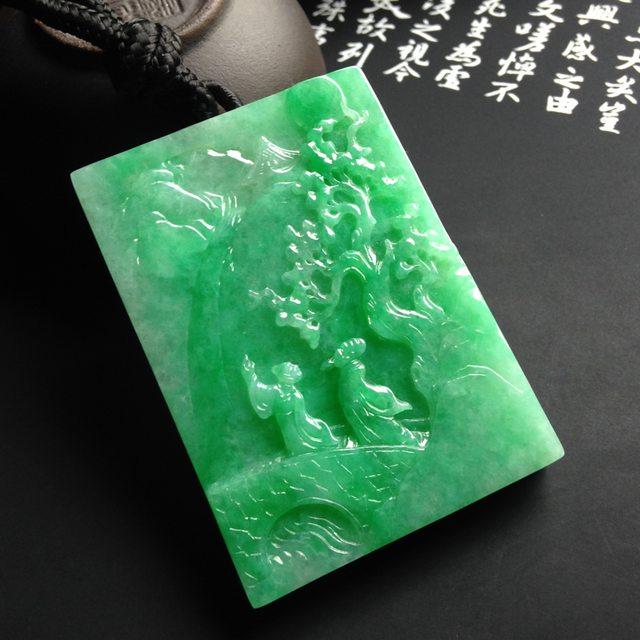 细糯种绿底松下会友翡翠吊坠 尺寸52-38-7毫米