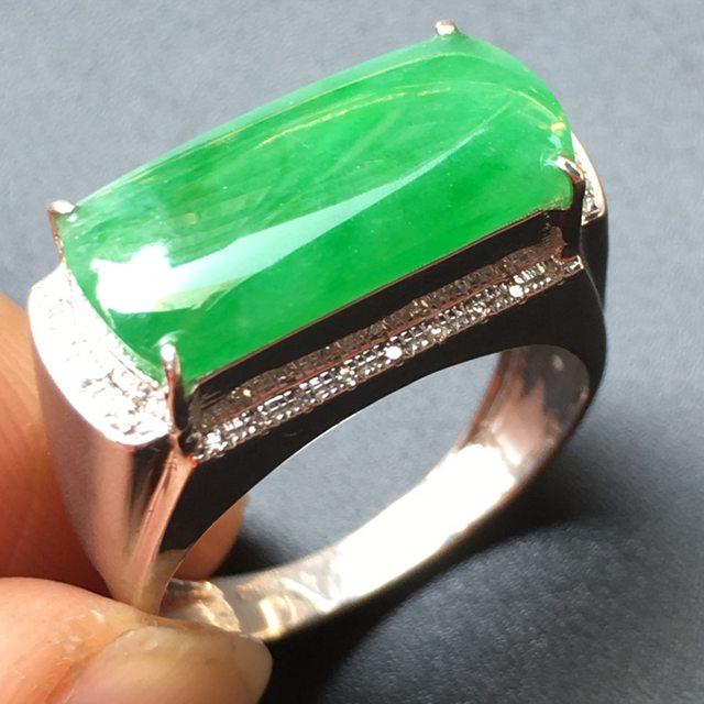 冰糯种绿色 缅甸天然18k金伴钻戒指翡翠