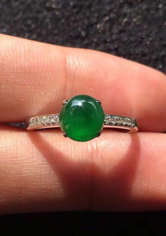 冰种圆润满绿翡翠戒指