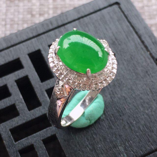 9.7*7.3*3.5寸冰糯种阳绿翡翠戒指
