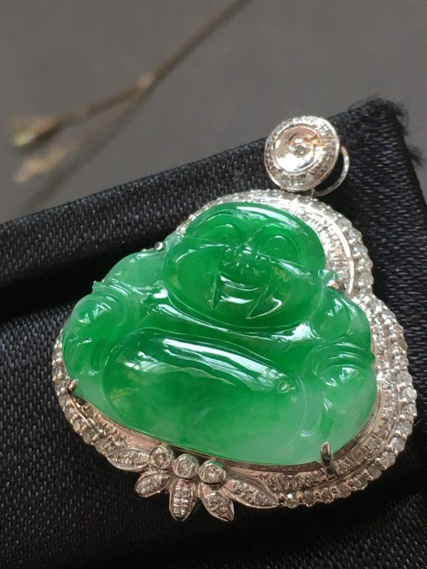 冰种阳绿弥勒佛 佛翡翠吊坠 18K金镶嵌钻石
