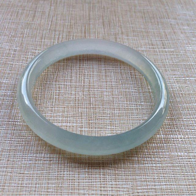 冰种起荧光翡翠手镯  缅甸天然翡翠平安镯  尺寸:55.7/8.1/6.3
