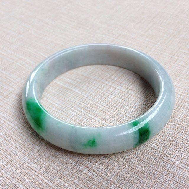 糯种飘绿翡翠手镯 缅甸天然翡翠54.5寸正装手镯