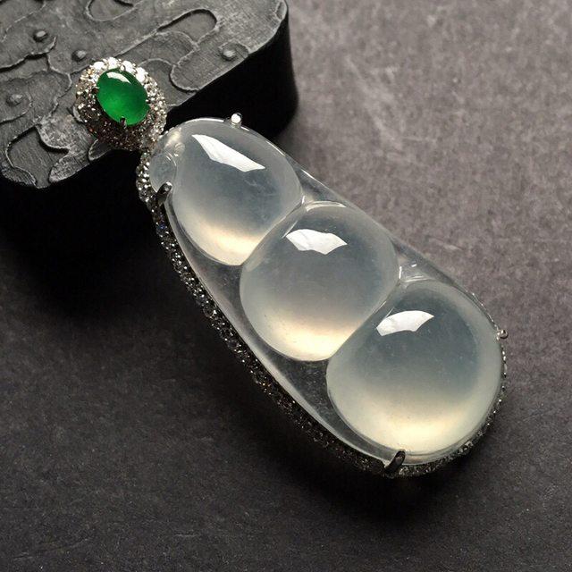 冰种福豆 翡翠挂件 总尺寸: 48-20.5-11.5mm