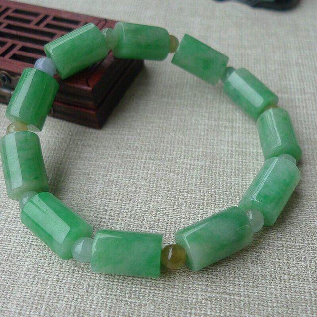 精雕满绿翡翠柱型手链 规格 13.2*9.2mm