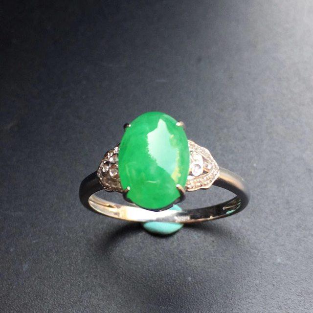 冰种阳绿 缅甸天然翡翠戒指 金镶嵌