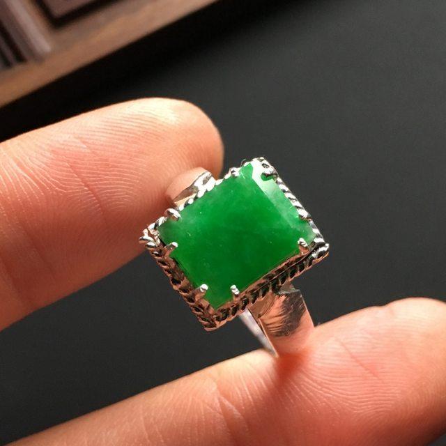 冰糯种阳绿方形 缅甸天然翡翠戒指