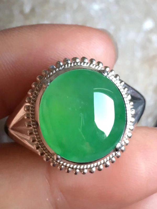 老坑冰种 艳绿色 缅甸天然翡翠戒指